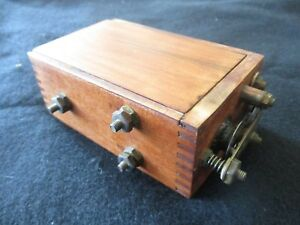 Antique Engine Coil Hit And Miss In Dovetail Wooden Box