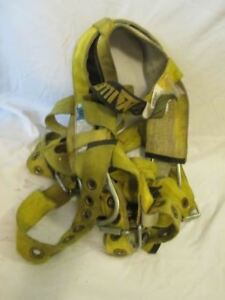 I183 Miller Safety Full Body Harness Medium W double C Rings Fall Protection