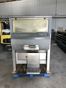 Follett Automatic Ice Bagger With 1000lb Bin