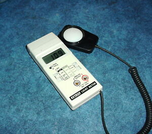 Extech Foot Candle lux Light Meter W analog Output Fast slow Response Feature