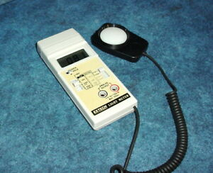 Extech Foot Candle lux Light Meter W analog Output fast slow Response Feature 2