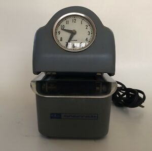 Vintage Cincinnati Time Recorder Auto Punch Clock With Key Works 3500