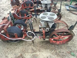 4 Row Mechanical Transplanter 4 Cup Carousel