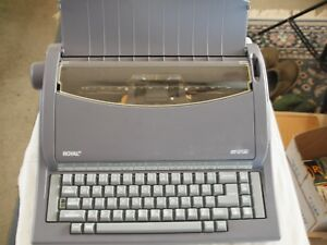 Royal Rt6100 Portable Electric Typewriter