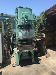 Usi Clearing 60 Ton Torc pac Punch Press