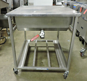 Belshaw Hg24w ss Stainless Steel Manual Donut Glazing Table With Casters