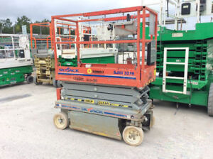 19 Skyjack Scissor Lift Sjiii 3219 Only 90 Hours