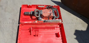 Hilti Te 905 avr Heavy Duty Demmo Hammer W case And 3 Bits