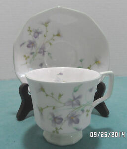 Tea Cup And Saucer Bone China Queens Rosina Made In England 1900 1940