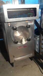 Saniserv Countertop 10 Gal hr 25 Qt Frozen Beverage Machine