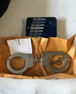 Smith Wesson S w Model 1 Nickel Chain Link Universal Handcuffs Keys