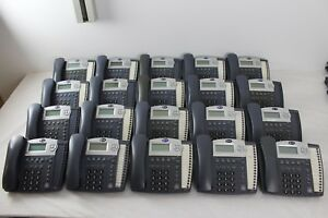 Lot Of 20 At t 945 4 line Small Business System Office Phones