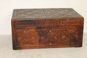 Antique American Chip Carved Box Probably Beech 18th Early 19th Century