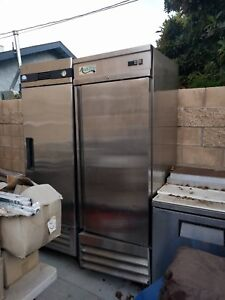 Stainless Steel 1 door Upright Commercial Kitchen Reach in Freezer Used