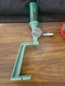UNIFLOW  RCBS POWDER MEASURE WITH STAND missing dispenser lid