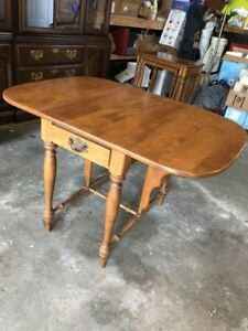 Ethan Allen Maple Winged Table
