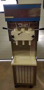 Hc Duke Electro Freeze Dairy Queen 957r Ice Cream Soft Serve Machine