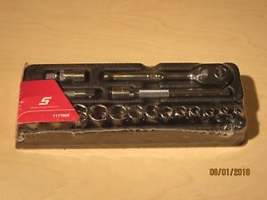 New Snap On 117tmm 17pc Ratchet Universal And Extensions 1 4 Drive Service Set