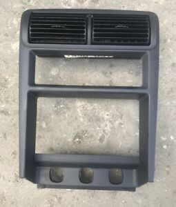 99 04 Ford Mustang Center Dash Vents Vent Bezel Cd Player Heater Control Oem