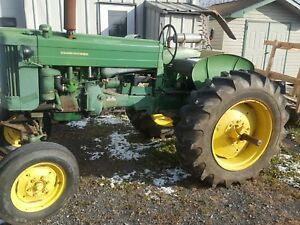 John Deere 420 W Antique Farm Tractor