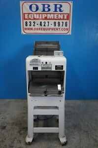 Oliver Gravity Feed Bread 1 2 Slicer Model 797 32nc Mfg 2010