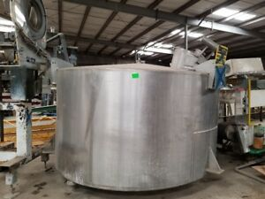 2200 Gallon Stainless Steel flush Water Tank