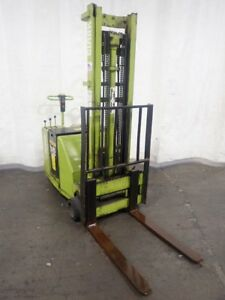Clark St20 Walk Behind Electric Fork Lift 1800 Lbs 08181970023