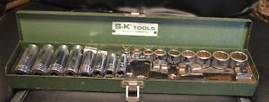 Sk Tools 18 Piece 3 8 Drive 6 12 Point Short And Deep Sae Socket Set