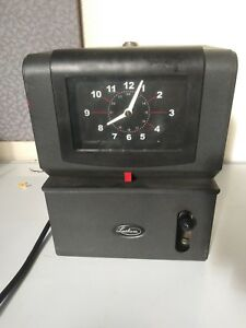 Lathem Time Recorder Company 2121 Analog Time Card Punch Clock No Key Tested