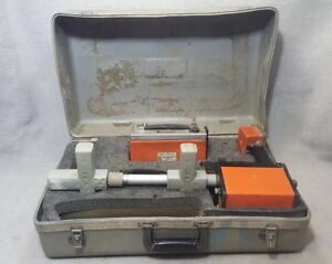 Metrotech 810 Pipe Cable Locator Transmitter receiver And Leads Needs Repairs