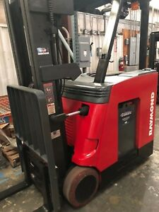 2008 Raymond Forklift Dockstocker Model 410 c30tt W battery