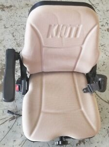 Genuine Oem Kioti T5235 70701 Seat Assembly For Nx Or Rx Tractors Lightly Used