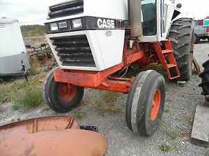 Case 2090 Tractor Wide Front End