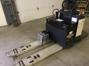 Crown Walkie Rider Pe3520 60 Electric Pallet Jack New Battery 6000 Cap