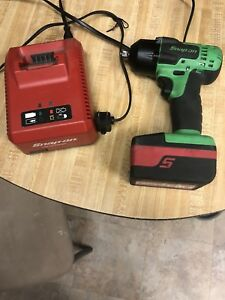 Snap On Ct8810ag 3 8 Cordless Impact Wrench Green W Red Battery And Charger