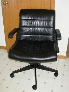 Mid Century Modern Style Leather Office Chair Richard Sapper Knoll International