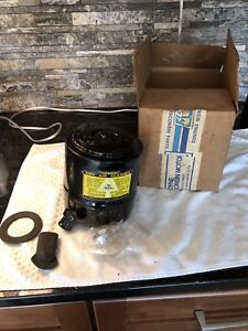 Nos New Wisconsin Engines Lo187s1 Dry Air Cleaner Oem Rare