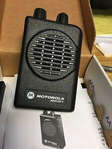 New Motorola Minitor V 5 Scl Ch Uhf Sv Pager 504 512 Mhz