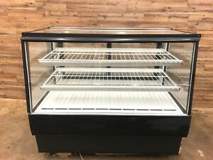2014 Federal Industries High Volume Refrigerated Bakery Case