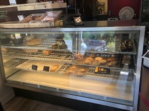 80 Refrigerated Bakery Deli Display Case With Led Light