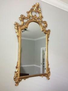 18th Century Style Italian Hand Carved Gilded Gold Leaf Wood Frame Mirror