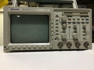 Tektronix Tds420a 200 Mhz 4 channel Digitizing Oscilloscope For Parts repair