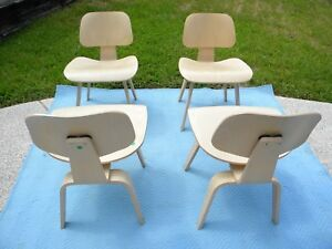 4 Herman Miller Eames Dcw Molded White Ash Plywood Dining Chairs W Wood Legs