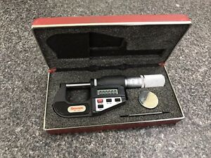 Starrett 0 1 No 734xfl Digital Micrometer With Case Spare Battery 0 00005