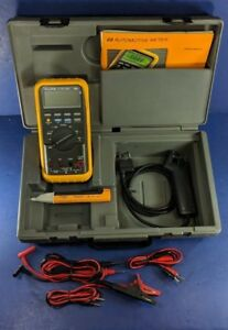 Fluke Et 88 Digital Multimeter Excellent Screen Protector Case