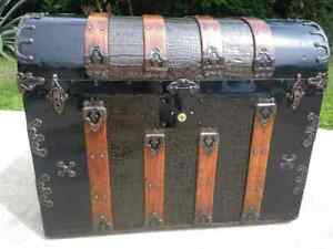 1880 S Waterfall Alligator Embossed Tin Trunk With Working Lock And Key