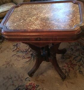 Victorian Eastlake Chocolate Marble Walnut Parlor Lamp Table Pie Crust