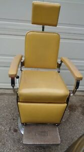 Reliance Barber doctor Exam Chair F f Koenigkramer Electric Hydraulic Lift 1963