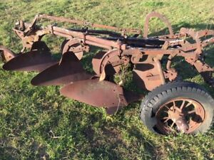 Case 3 Bottom Antique Tractor Plow Parts Or Restore