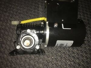 New Bison Ac Gear Motor Cw ccw 1 15hp Int 30 1 55r 45in lbs 200 240 Volts 60 Hz